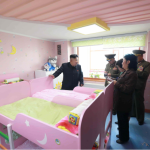 There's something seriously wrong with this photo of North Korea's Kim Jong-un